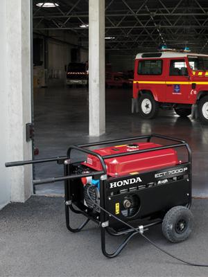 Honda - rámová profesionální elektrocentrála ECMT 7000