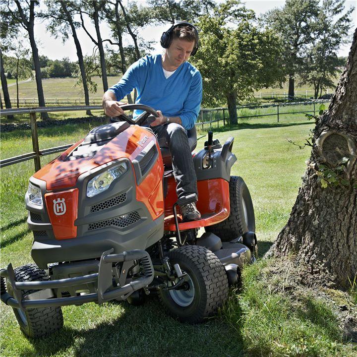Zahradní traktory (Husqvarna)