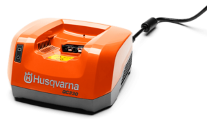 Husqvarna - Nabíječka QC330